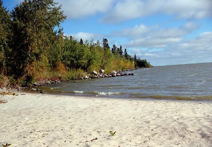 081 Hecla Island, MB.jpg - A beach on Hecla Island: abartel.jalbum.net/manitoba/slides/081 hecla island, mb.html